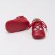 zapato-ingles-rojo-detalle
