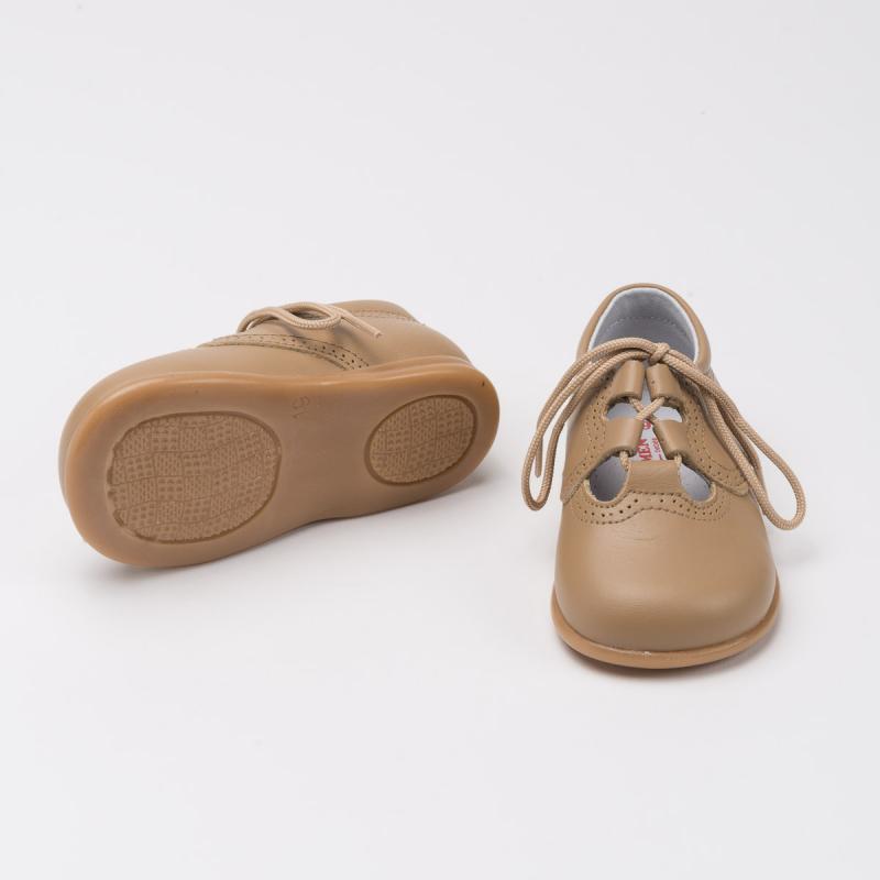 zapato-ingles-suela-camel-detalle