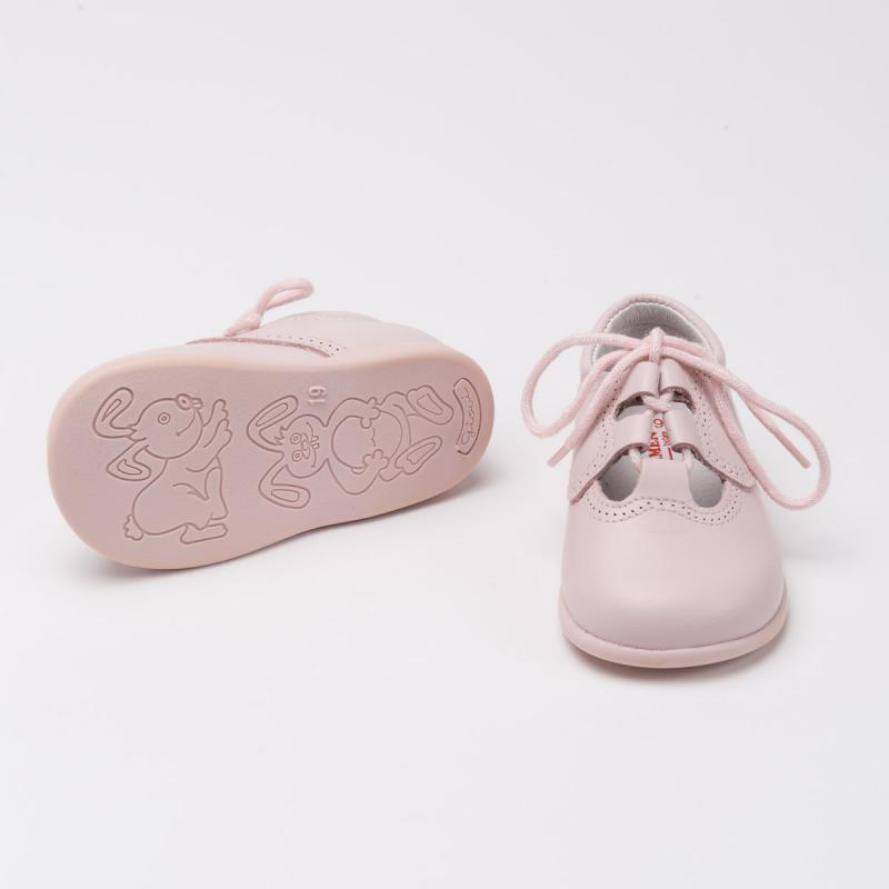zapato-ingles-suela-rosa-detalle