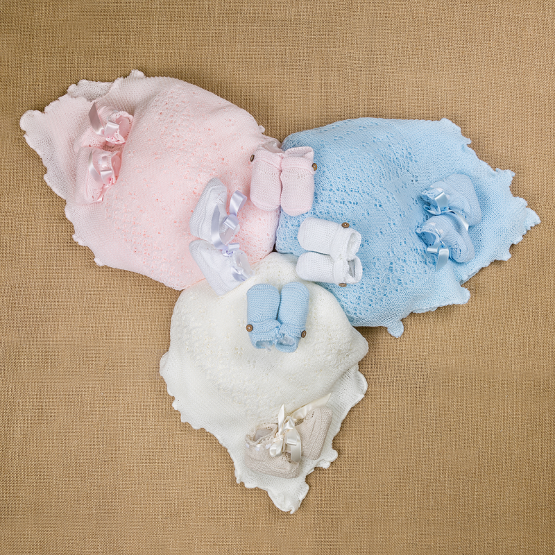 WHITE KNITTED BABY  BOOTIES MAYA