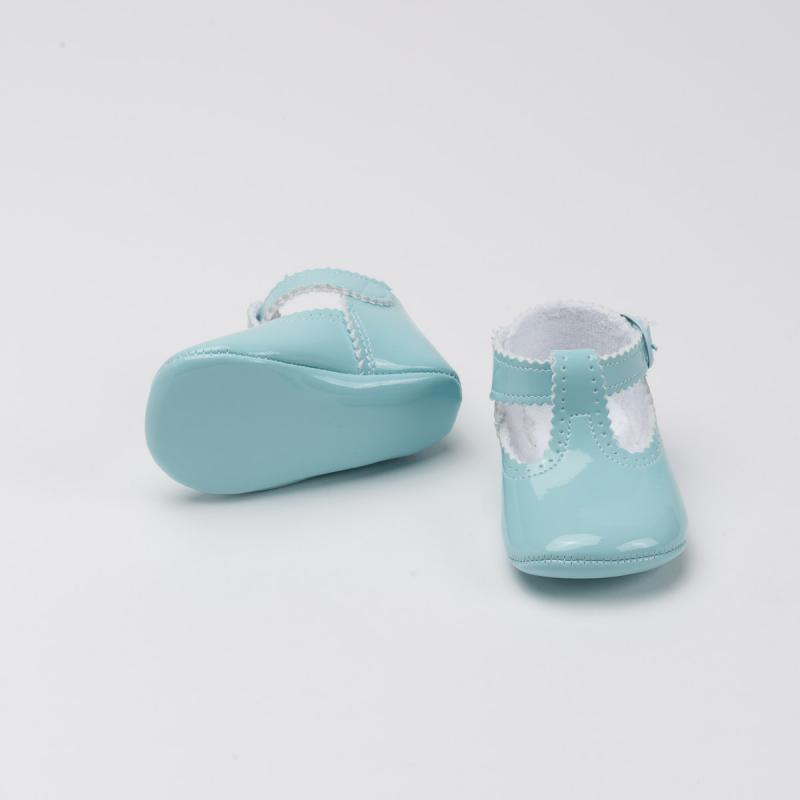 sandalia-charol-azul-detalle