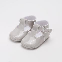 sandalia-charol-gris-aluminio