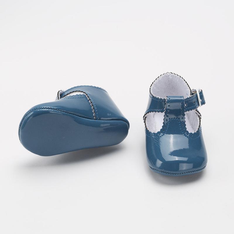 sandalia-charol-azul-francia-detalle