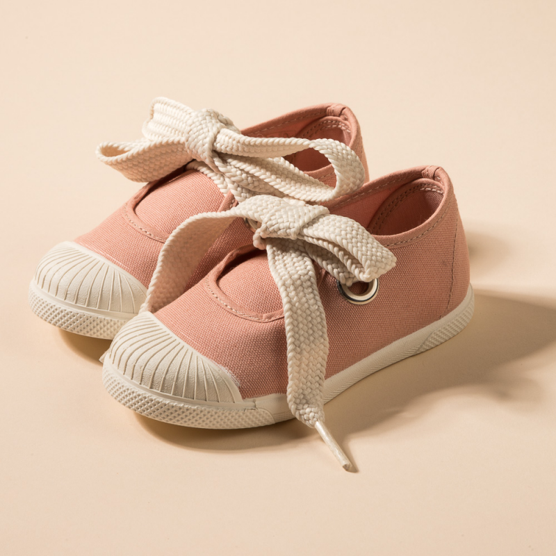 SUMMER SHOE WITH LACES AND RUBBER SOLE